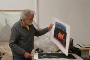 Jan Haas in zijn atelier in Vlissingen